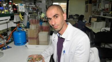 Raúl Rivas González, profesor titular de del área de Microbiología. Departamento de Microbiología y Genética de la Universidad de Salamanca. Foto. Usal.