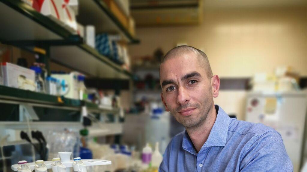 Raúl Rivas, profesor titular de Microbiología. Departamento de Microbiología y Genética de la Universidad de Salamanca. Foto. Usal.