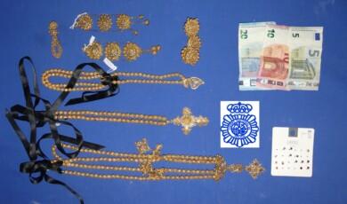 Las joyas incautadas por la Policía Nacional de Salamanca.