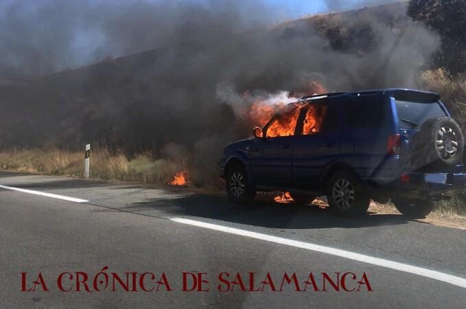 coche-incendio-salamanca rotonda buenos aires (8)