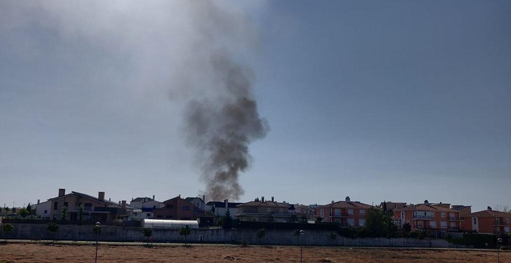 Fuego en una vivienda de la urbanización Albahonda, Carbajosa.