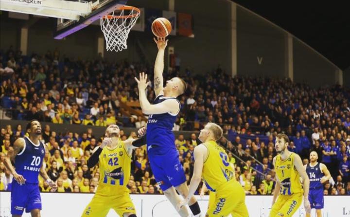 Tomas Hilmarsson, jugador de la selección islandesa, fichaje del Aquimisa Carbajosa.