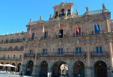 la-fachada-del-ayuntamiento.-592x405
