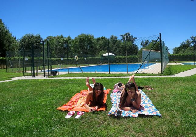 Las piscinas de Tenebrón estarán abiertas hasta el 31 de agosto.