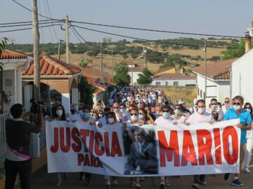 Más de medio millar de personas homenajeó a Mario Casal.