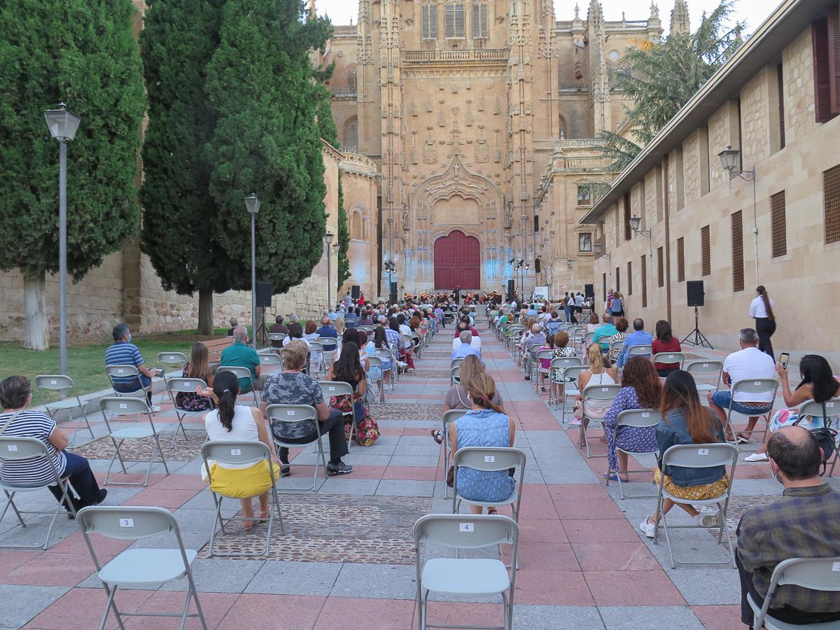 Oscyl -Orquesta Sinfónica de Castilla y León, Patio Chico.