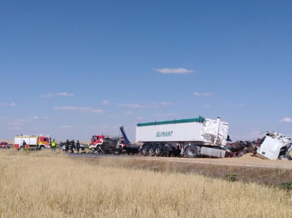 Dos personas mueren en el accidente de Macotera.