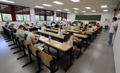 Rubén Cacho ICAL . Centenares de estudiantes se examinan de la EBAU (2)