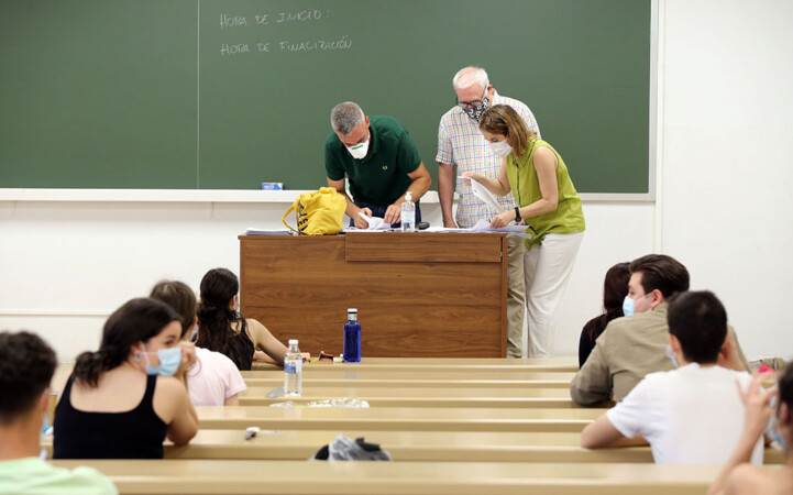 Rubén Cacho ICAL . Centenares de estudiantes se examinan de la EBAU (4)