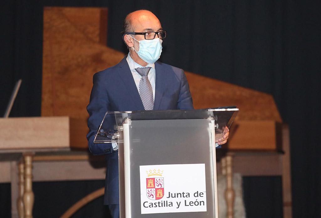 Isa Vicente / ICAL . El consejero de Cultura y Turismo de la Junta de Castilla y León, Javier Ortega, inaugura la Feria de Teatro de Castilla y León