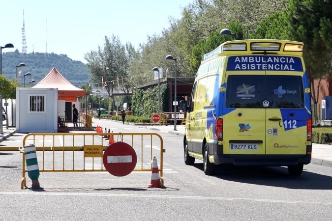 ICAL. Una ambulancia se acerca al hospital. Foto. Arvhico.