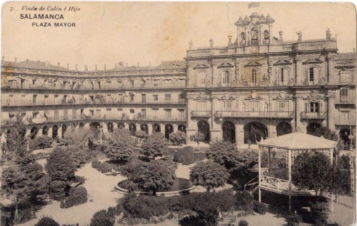 La Plaza Mayor que conoció Gonzala Santana en su época. Fotografía. Postales Salamanca. Viuda de Calón e Hijo. c. 1910-20.