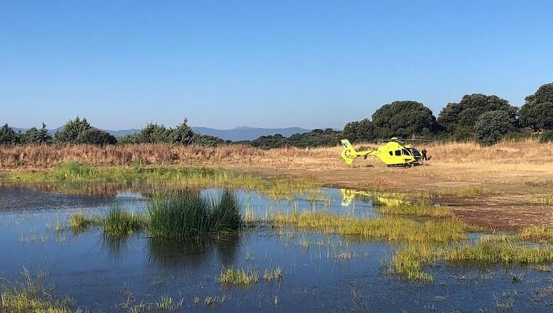 El helicóptero medicalizado del Sacyl se desplazó hasta Fresno Alhándiga para atender al herido corneado por el toro.