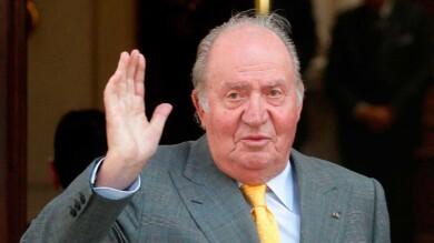 Juan Carlos I comunica al rey Felipe VI que se marcha de España.