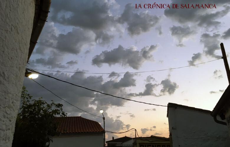 Foto pueblo noche