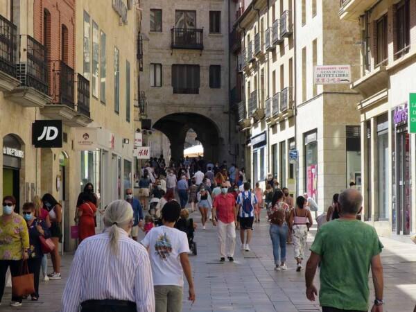 gente calle toro 27 agosto coronavirus