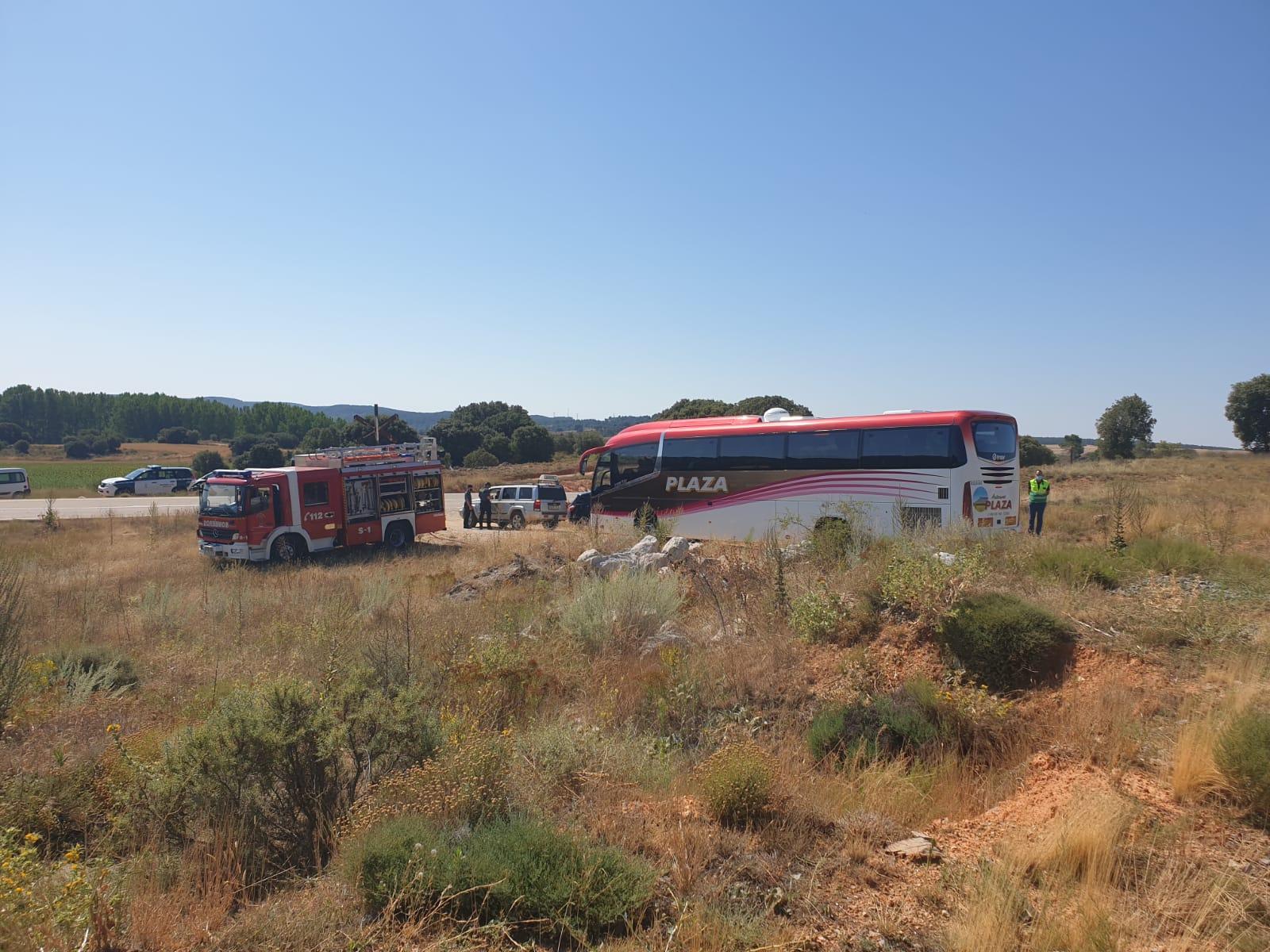 ICAL. Herido el conductor de una cosechadora tras colisionar con el tren Soria-Madrid en Navalcaballo (1)