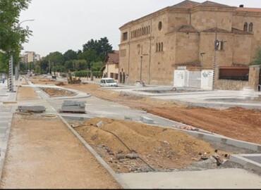 Obras en la avenida de La Merced que abrirá al tráfico este lunes 31 de agosto. FOTO. ARCHIVO.