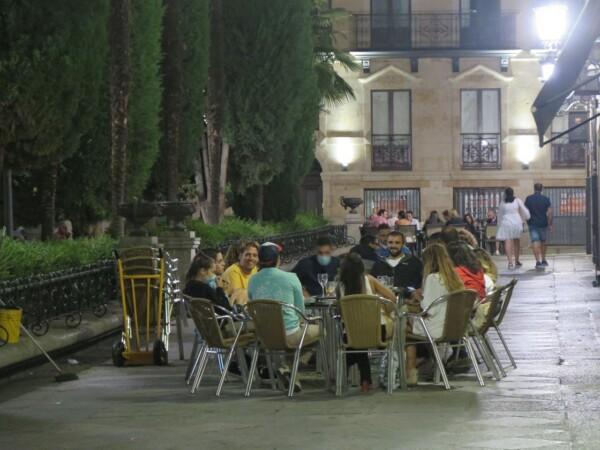 Terraza noche mascarilla, Plaza Mayor. (4)