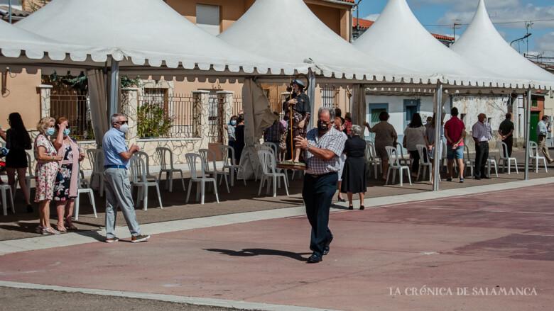 Valdelosa celebró la misa en honor de San Roque al aire libre.