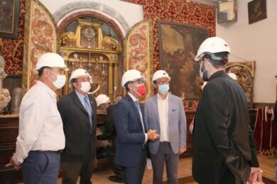 Concha Ortega / ICAL . El consejero de Cultura visita las obras de la Colegiata en Medinaceli