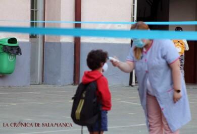 La Junta pone en cuarentena cinco aulas más al detectar PCR positivos por contactos exteriores en colegios de Ávila, Burgos, Segovia y Valladolid