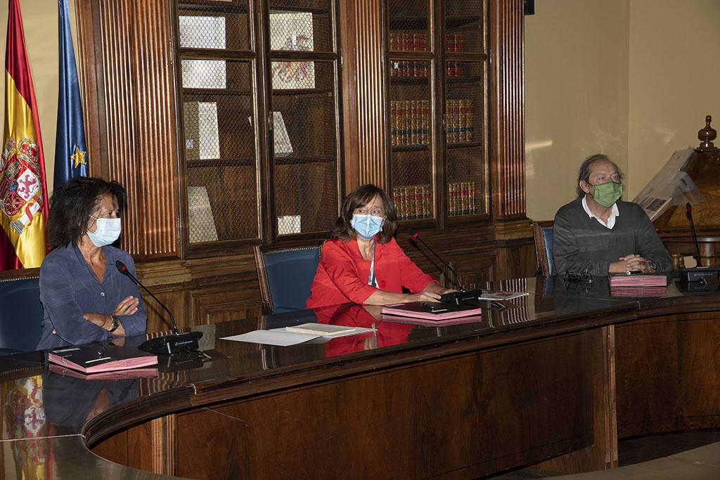 ICAL. La familia de Miguel Delibes dona a la Biblioteca Nacional de España el manuscrito de 'El sentido del progreso desde mi obra'.