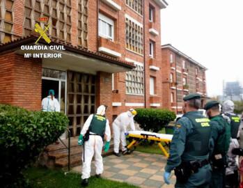 ICAL. La Guardia Civil lleva al hospital a una persona de La Robla (León) positiva en COVID-19 que se negaba a cumplir el confinamiento