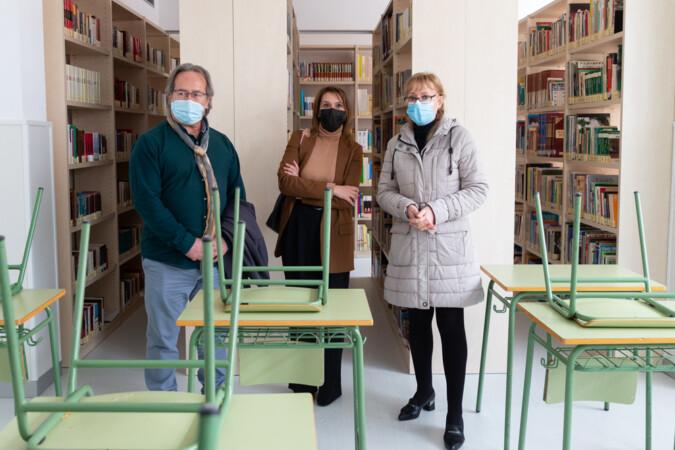 JL Leal / ICAL . La consejera de Educación, Rocío Lucas, y el elcalde de Zamora, francisco Guarido, visitan el Centro de Educación de Personas Adultas (CEPA) 'Viriato', en la capital zamorana