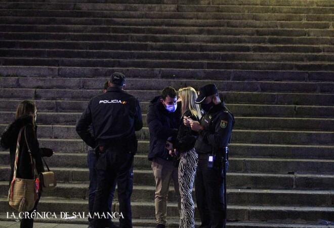 La primera noche del toque de queda en Salamanca se salda con ocho denuncias por ignorarlo