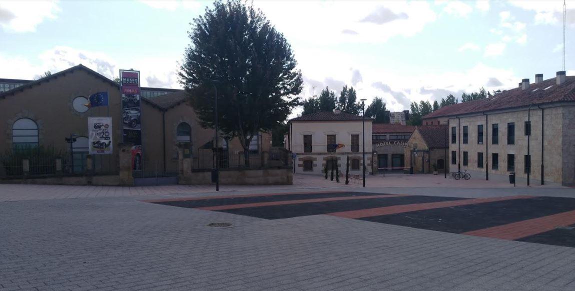 centro recepcion visitantes museo automocion plaza mercado viejo