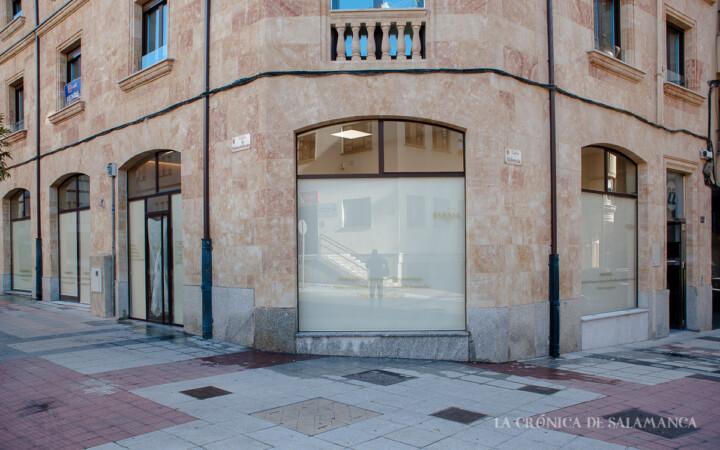 La nueva clínica ocupa el local de Cocinas ABC, en la esquina de Maldonado Ocampo con la calle Valencia.