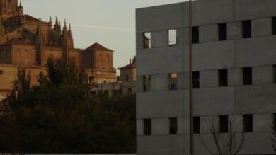 Una residencia impide ver el conjunto monumental de Salamanca por la entrada Sur.