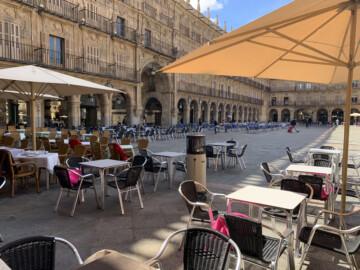 Estufas en algunas terrazas de la Plaza Mayor de Salamanca.