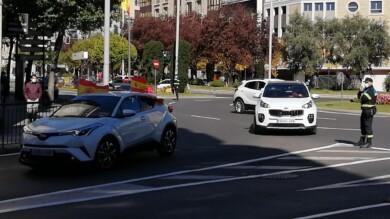 La caravana de coches hizo el circuito de avenida Mirat, plaza España y Gran Vía.