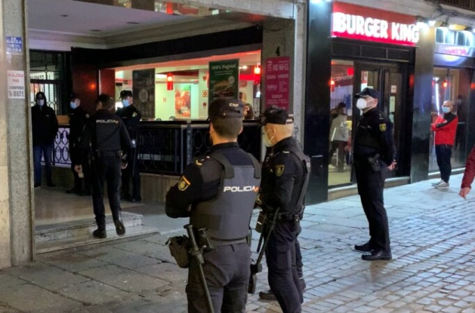 policia frustra protesta toque queda