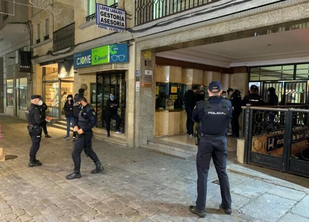 policia protesta contra toque queda prior