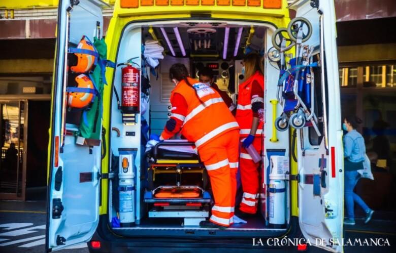 ambulancia ante el hospital clinico david martin