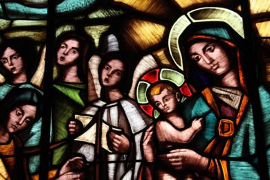 Detalle de la vidriera de la escalera principal del Colegio Calasanz, obra de Jacinto Orejudo. Fotografía. Cristina Hidalgo.