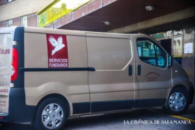 furgon hospital clinico coronavirus funeraria 13 nov david martin (19)