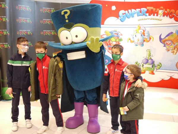 Los Superthings, en El Centro Comercial El Tormes.