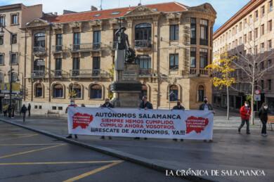 Los autónomos de Salamanca se manifestaron para solicitar ayudas que salven sus negocios.