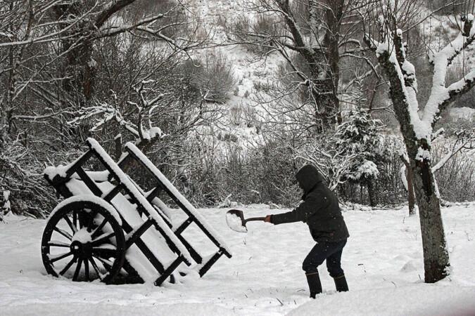 ICAL. La nieve cubre la comarca leonesa de Los Argüellos