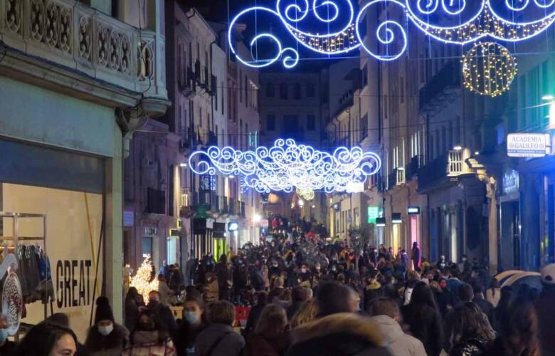aglomeraciones 12 diciembre gente