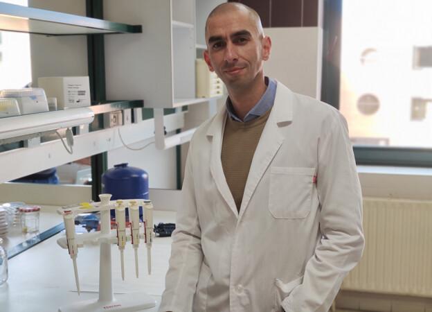 Raúl Rivas, catedrático del área de Microbiología, de la Universidad de Salamanca.