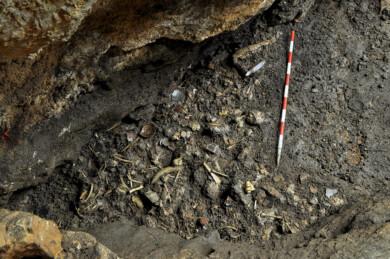 ICAL. Detalle del proceso de excavación en la cueva.