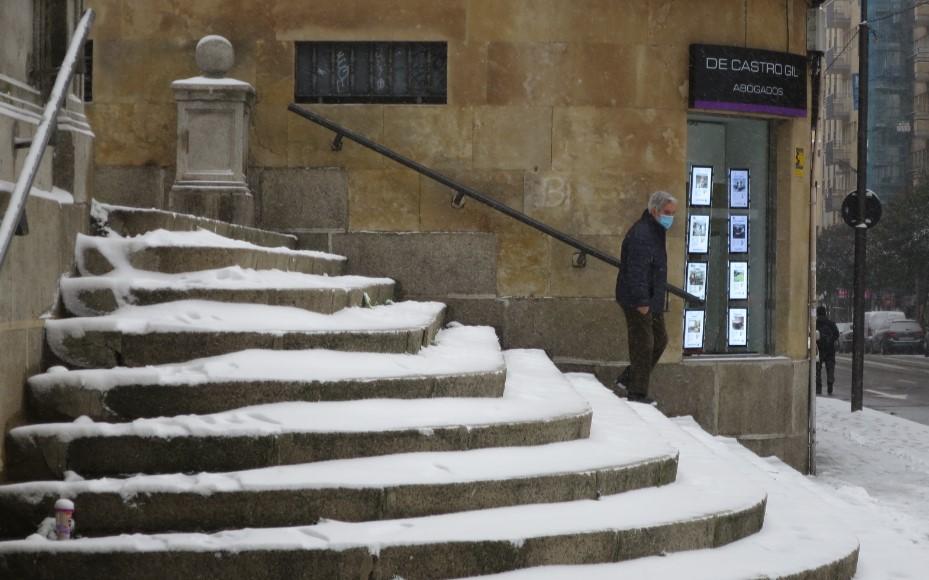 nieve descenso de riesgo