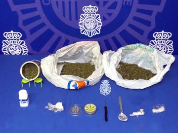 La Policía Nacional en Salamanca detuvo a un joven con cocaína y 500 g de marihuna.