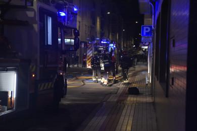 Los bomberos en la calle Fernando de Rojas.