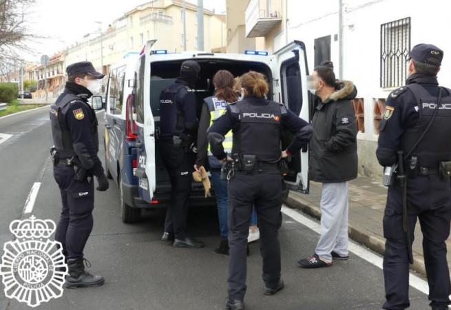 policia inmigracion ilegal 5
